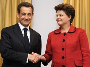 A presidente Dilma Rousseff, durante encontro com o presidente francês, Nicolas Sarkozy, no hotel Waldorf Astoria, em Nova York. Reunião foi a terceira desta quarta-feira (21). (Foto: Eric Feferberg/AFP)