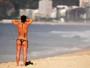 Cariocas aproveitam a sexta-feira de sol e calor nas praias da Zona Sul
