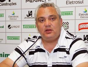 Branco fala sobre a perna quebrada do atacante Héber, do Figueirense (Foto: Carlos Amorim / Site Oficial do Figueirense)