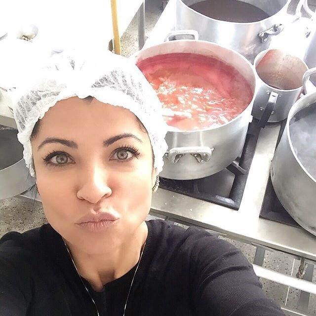 Anna Lima cuida de perto de sua empresa de ultracongelamento de alimentos (Foto: Arquivo pessoal)