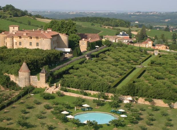 Chateau de Bagnols, na França  (Foto: Reprodução/Must see places)
