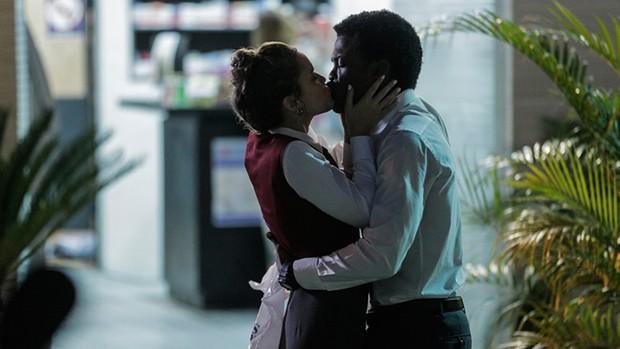 JF e Luana reatam namoro em Rock Story  (Divulgação)