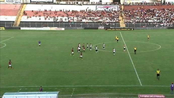 Paulista x Atlético-GO (Foto: Reprodução / TV TEM)