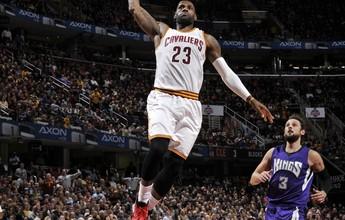 Cavs vencem os Kings com primeiro triplo-duplo de LeBron na temporada