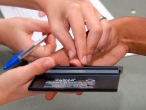Emissão da carteira de identidade é gratuita em Vitória (Foto: Marcos Salles/ Prefeitura de Vitória)