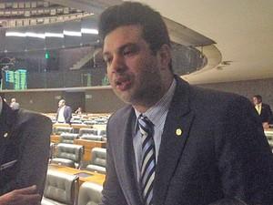 O líder do PMDB, Leonardo Picciani, no plenário da Câmara, após a votação da PEC da Bengala (Foto: Nathalia Passarinho / G1)