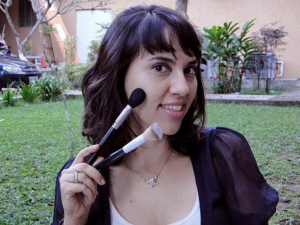 A maquiadora de Malhação, Vanessa Brito, dá dicas de maquiagem (Foto: Malhação / TV Globo)