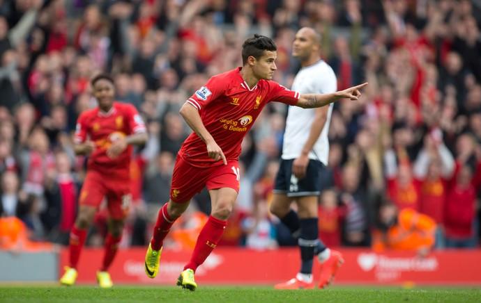 Philippe Coutinho comemoração jogo Liverpool e Tottenham (Foto: AP)