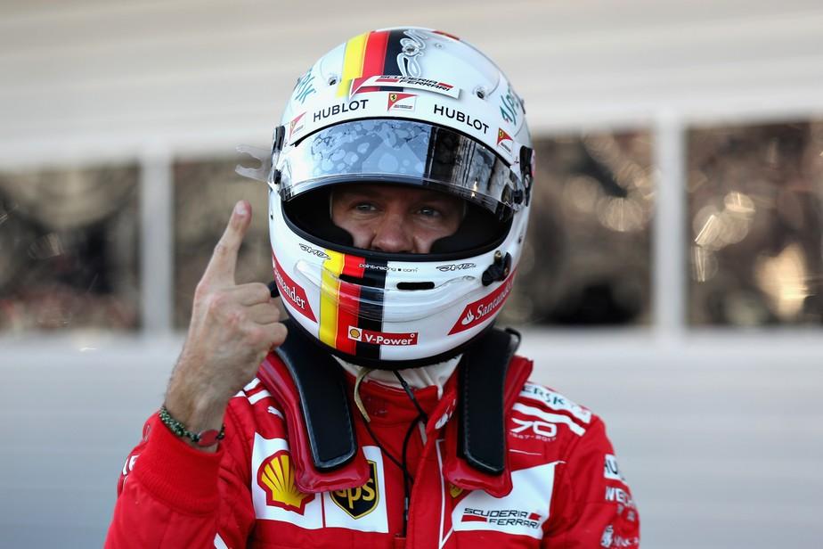 Com Vettel na pole e Kimi Raikkonen em 2º, Ferrari quebra jejum de nove anos