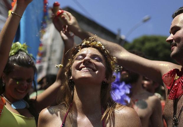 Blocos desfilam no carnaval de rua no Rio de Janeiro (Foto: Pilar Olivares/Reuters)