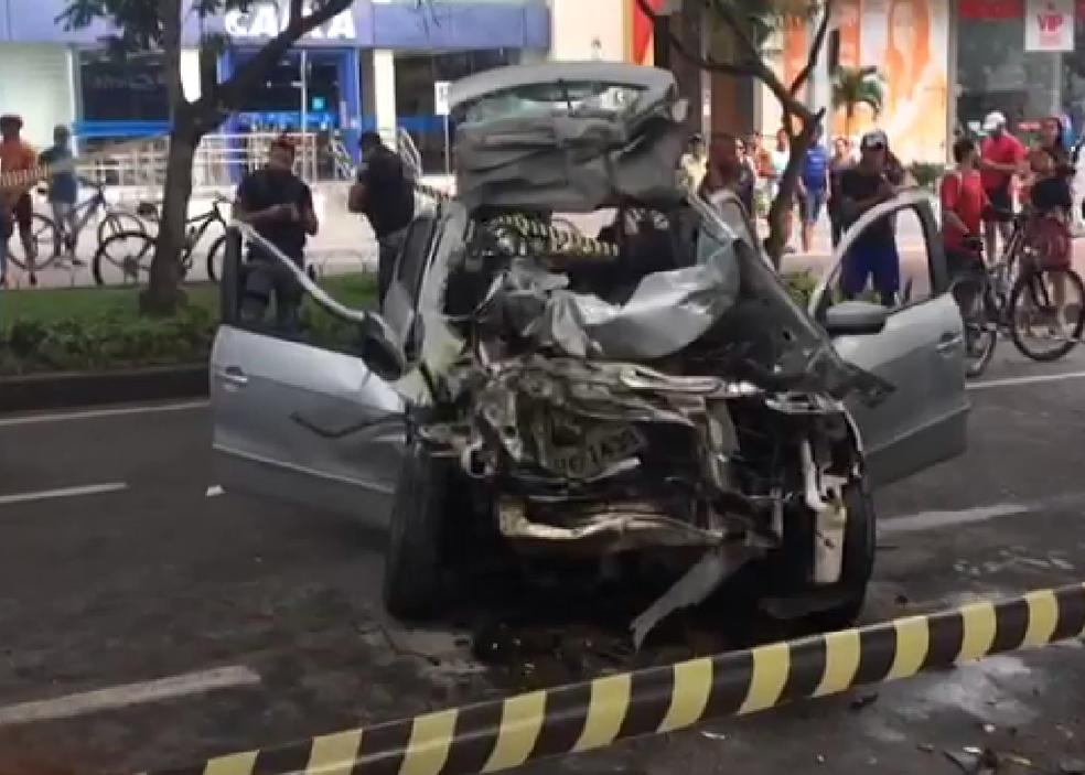 Acidente ocorreu na Avenida Agamenon Magalhães, em Caruaru (Foto: Reprodução/G1)