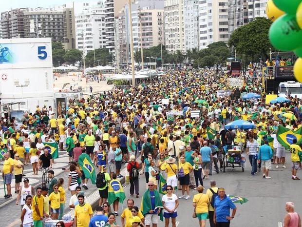 MANIFESTAÇÃO - RIO - 10h20 (Foto: Rodrigo Gorosito/G1)