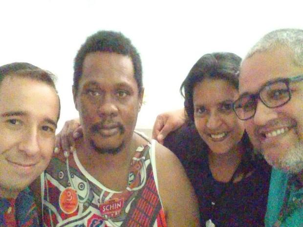 Felipe Resende (psicólogo), Jorge Barbosa, Sílvia Cardoso (assistente social) e Júlio César (coordenador do CapsDavid Capistrano) (Foto: Caps David Capistrano)