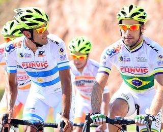 http://s2.glbimg.com/wmF7uCaVBghKquwHBk0m2Zzu7NU=/76x0:845x624/320x260/s.glbimg.com/es/ge/f/original/2015/02/27/ciclismo_sjc_-_atletas_de_suo_jos_dos_campos_durante_o_tour_de_san_luis.jpg