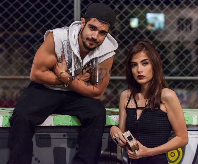 Caio Castro e Maria Casadevall gravam cenas juntos em 'I Love Paraisópolis' (Foto: Artur Meninea/Gshow)