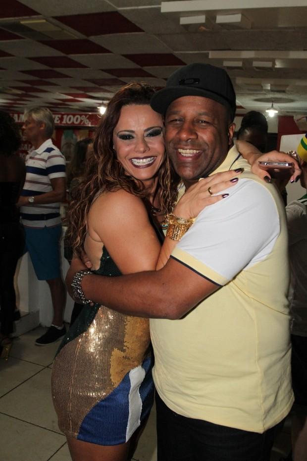 Viviane Araújo e Ailton Graça no Salgueiro (Foto: Anderson Borde/ AgNews)