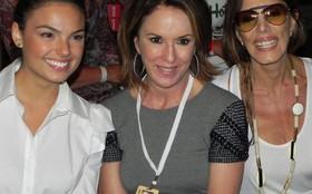 Isis Valverde e Mila Moreira gravam cenas no Fashion Rio