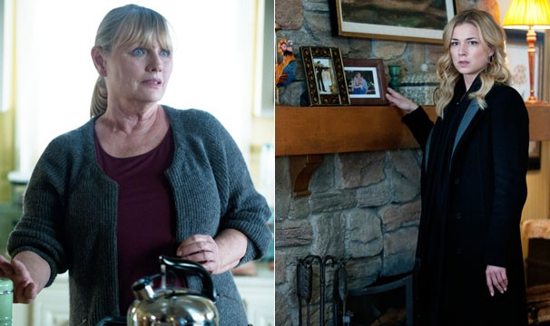 Emily vai a casa da ex-secretária de Conrad e descobre que ela é tia de Nolan (Foto: Divulgação / Disney Media Distribution)