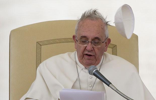 O Papa Francisco durante audiência geral na Praça São Pedro nesta quarta-feira (19) (Foto: Max Rossi/Reuters)