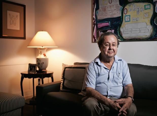 """SOBRE O MENSALÃO Francisco Weffort em sua casa, no Rio de Janeiro. """"Se você pratica meios criminosos, seus fins também serão criminosos"""" (Foto: Guilhermo Giansanti/ÉPOCA)"""
