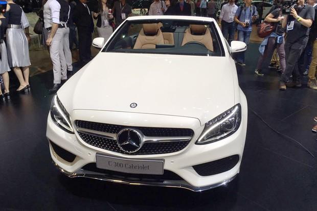 Mercedes-Benz C300 Cabriolet no Salão do Automóvel 2016 (Foto: Autoesporte)