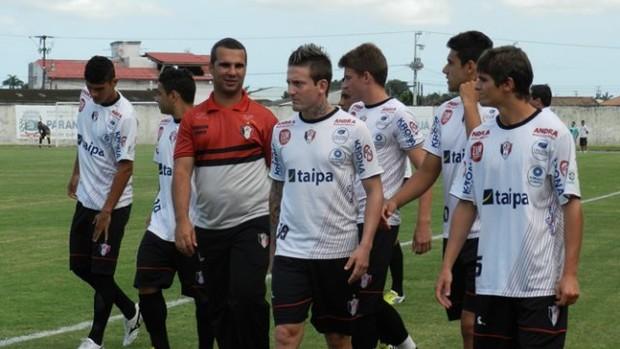 Grupo do Joinville em jogo-treino contra o Rio Branco (PR) (Foto: Divulgação / JEC)