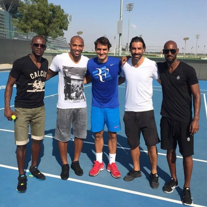 Roger Federer, Thierry Henry, Robert Pires, Nicolas Anelka e Eric Abidal (Foto: Reprodução/ Instagram)