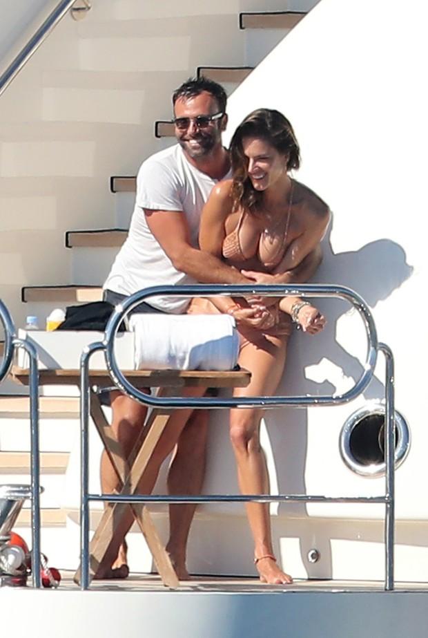 Alessandra Ambrósio e Jamie Mazur (Foto: Grosby Group)