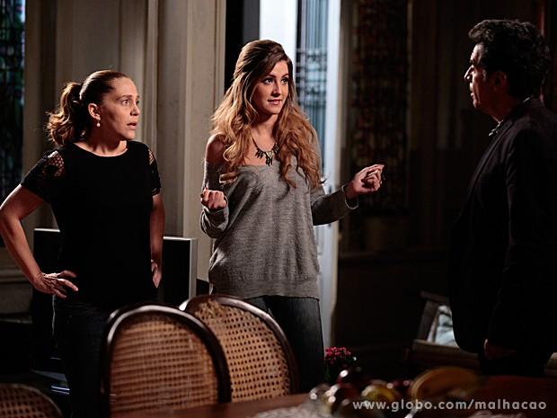 Sofia cisma de encontrar Edgar em Dubai e choca Vera (Foto: Pedro Curi / TV Globo)