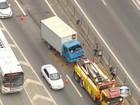 Acidente causa congestionamento de mais de 11 quilômetros na Dutra, RJ