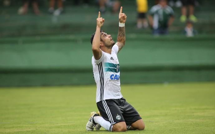 Henrique Almeida Coritiba (Foto: Giuliano Gomes/ Agência PR PRESS)