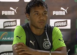 Alex Alves, zagueiro do Goiás (Foto: Reprodução/TV Anhanguera)