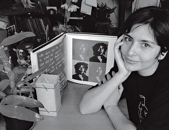 Soninha Francine, em 2001, quando assumiu consumir maconha. Ela perdeu programa na TV por causa de seu depoimento (Foto: Roberto Setton/ÉPOCA)