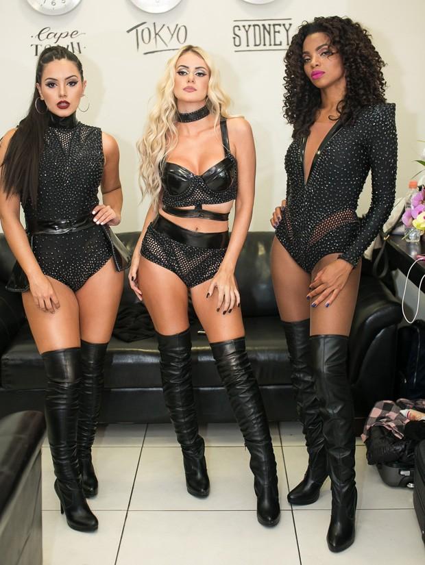 Júlia Rezende, Laís Bianchess e Jack Oliveira formam a girl band Ravena (Foto: Tony Santos)