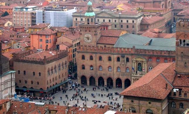 A Universidade de Bolonha, fundada em 1088 e ainda em atividade, é a universidade mais antiga do mundo (Foto: Divulgação)