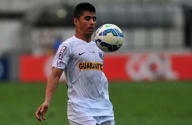 Daniel Guedes, lateral do Santos (Foto: Ivan Storti/Divulgação Santos FC)