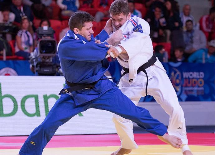Victor Penalber x Loic Pietri quartas Mundial Astana judô (Foto: Rafal Burza/CBJ)