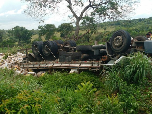 Causas do acidente devem ser esclarecidas por perícia (Foto: Divulgação/Polícia Militar)