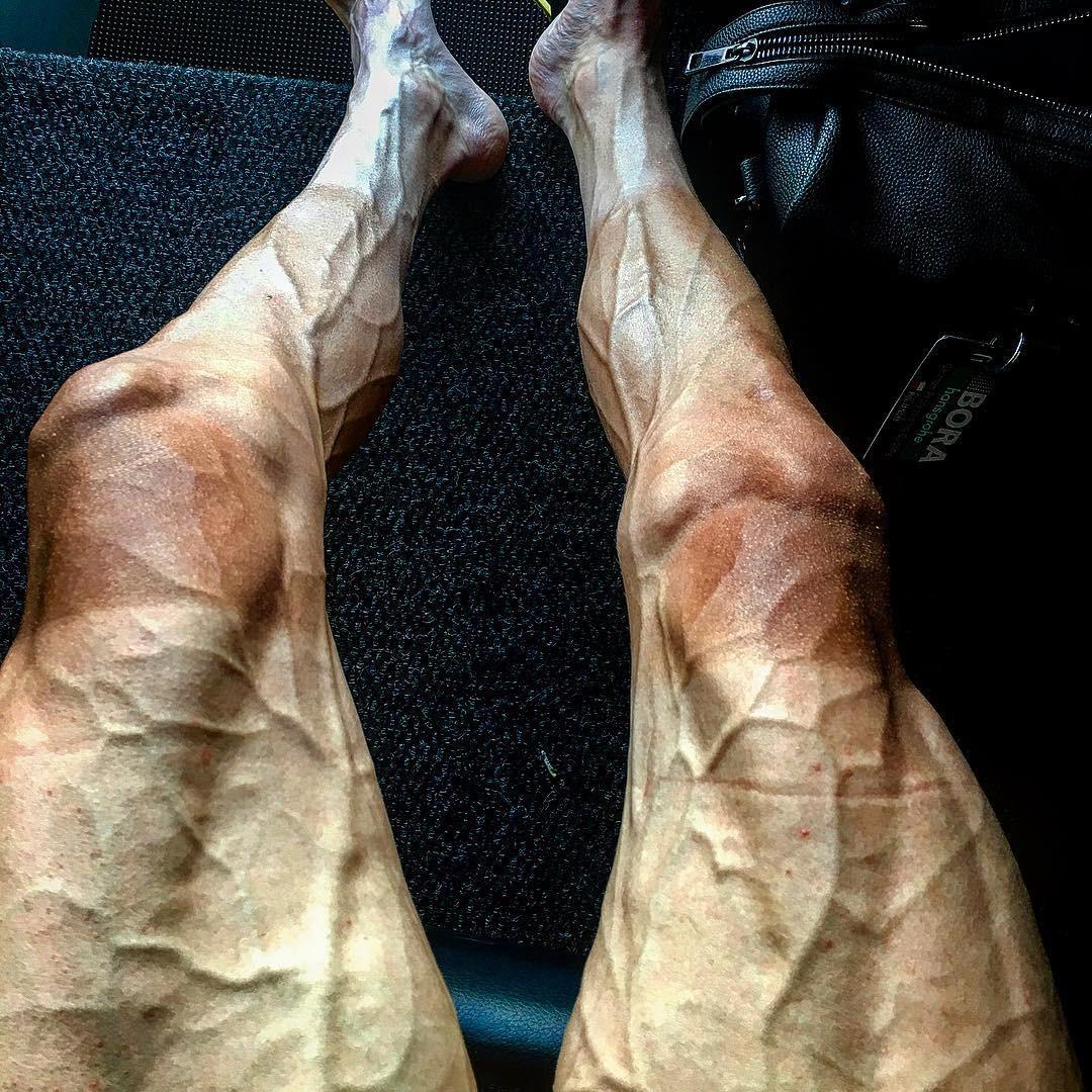 Pernas de Pawel Poljanski depois de completar 16 etapas do Tour de France 2017 (Foto: Reprodução/Instagram)