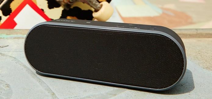 Caixa de som Sony SRS-X2 oferece conectividade Bluetooth e NFC (Foto: Divulgação/Sony)