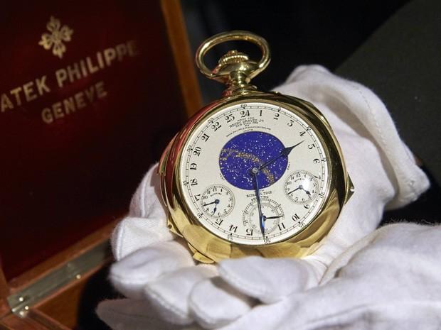 c5174bf660f Relógio de ouro foi fabricado no início dos anos 1930 (Foto  Denis  Balibouse