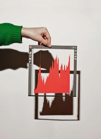 Do inferno às nuvens Desde o estouro da crise americana em 2009, a Adobe quase triplicou o valor das suas ações ao vender softwares por assinatura (valor das ações em dólares). Fonte: Yahoo! finance (Foto: Simon Plestenejak; Ilustração: Osilva)