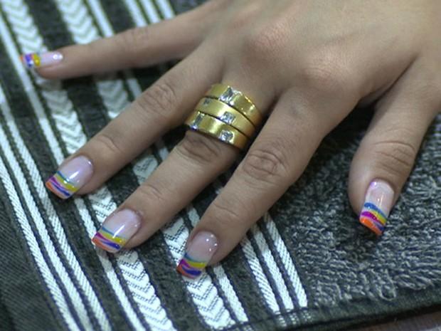 Manicure de alcione dá dicar para arrasar com uma unha portiça (Foto: TV Globo / Encontro com Fátima Bernardes)