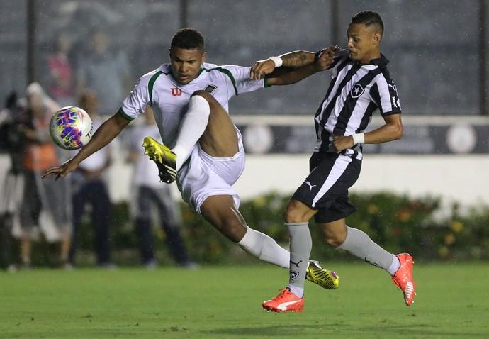 Botafogo x Cabofriense (Foto: Foto: Márcio Alves / Agência O Globo)