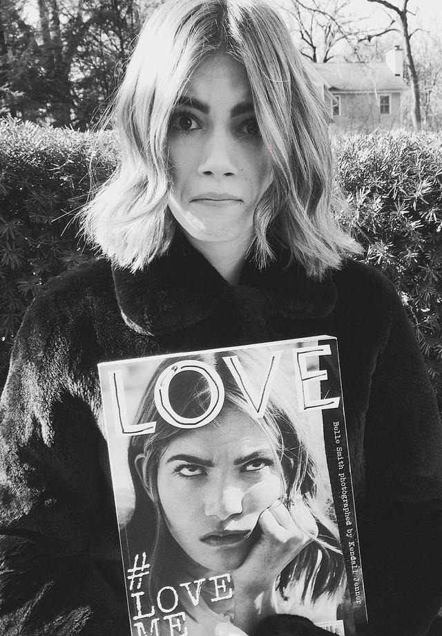 fotografada por Kendall Jenner para a Love Me 17 (Foto: Reprodução)