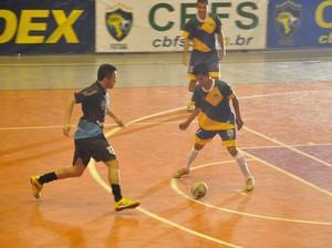 Falcão disputa amistoso em Cuiabá (Foto: Christian Guimarães)