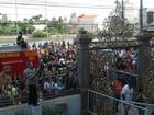 Corpo de Rossi deixa Alepe e segue para cemitério no Grande Recife