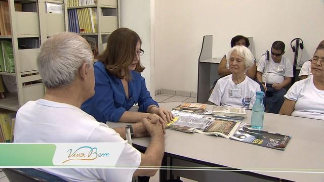Projeto Leitura Falada leva conhecimento aos deficientes visuais (Foto: Reprodução/TV Tribuna)