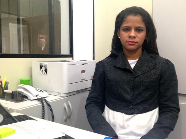 Daiane Rodrigues, de 21 anos, diz que foi importada que terá que pagar R$ 300 porque o Fies não custeará mais 100% do curso (Foto: Caio Fulgêncio/G1)