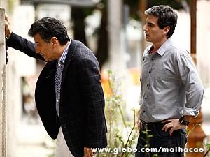 Caetano conta a verdade para Abelardo (Foto: Inácio Moraes / TV Globo)